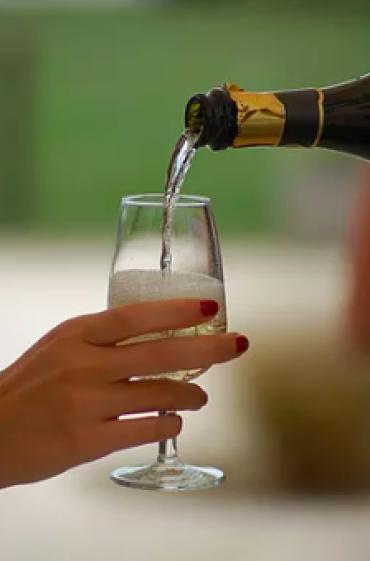 Come scegliere i vini per il ricevimento di nozze