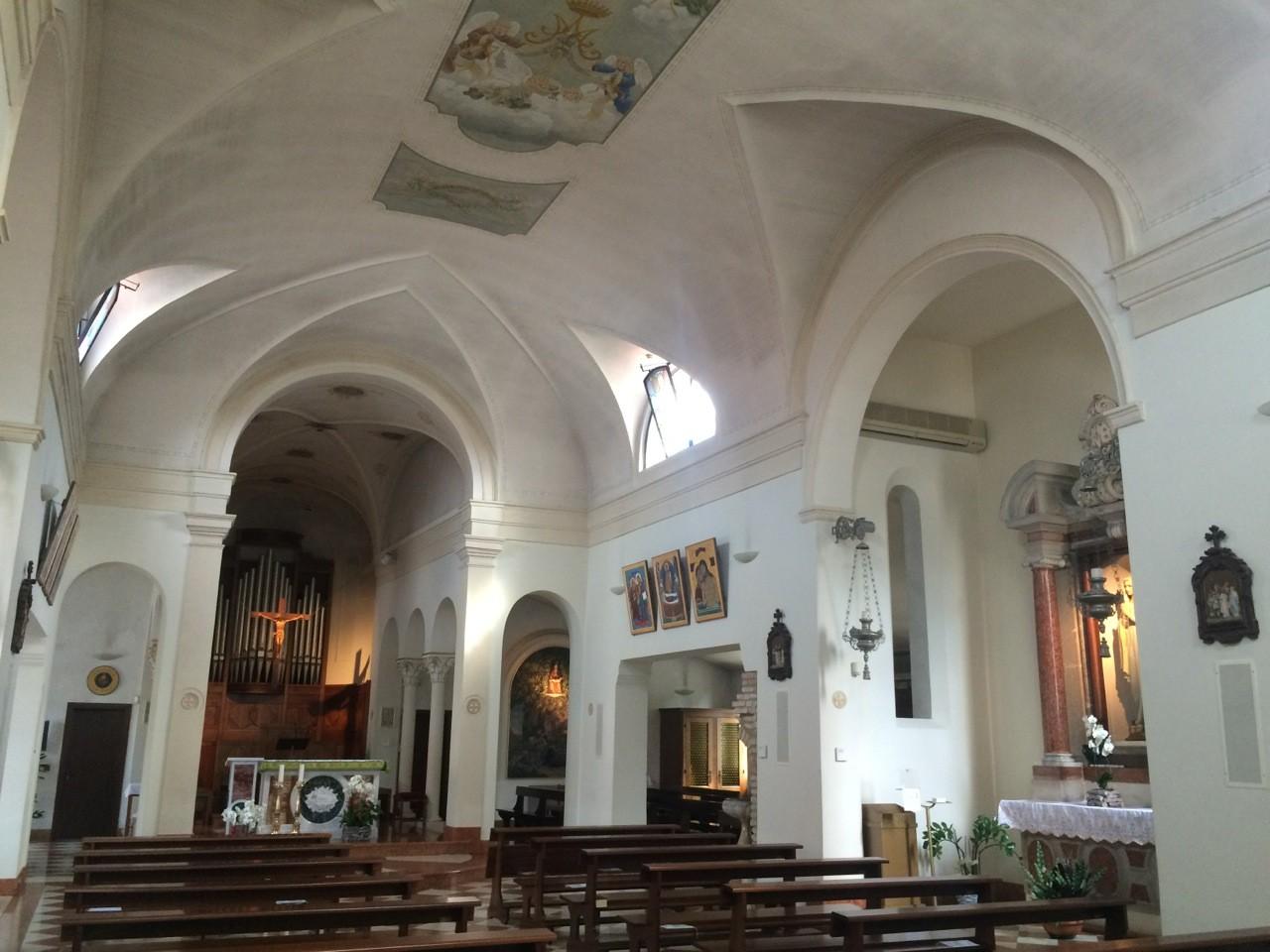 Chiese Romantiche Padova Bosco Di Rubano Interni